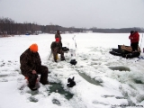 K&E Tackle Bum Lake ice fishing get together 02062011-062 ice fishing methods