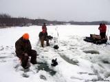 K&E Tackle Bum Lake ice fishing get together 02062011-062 ice fishing methods